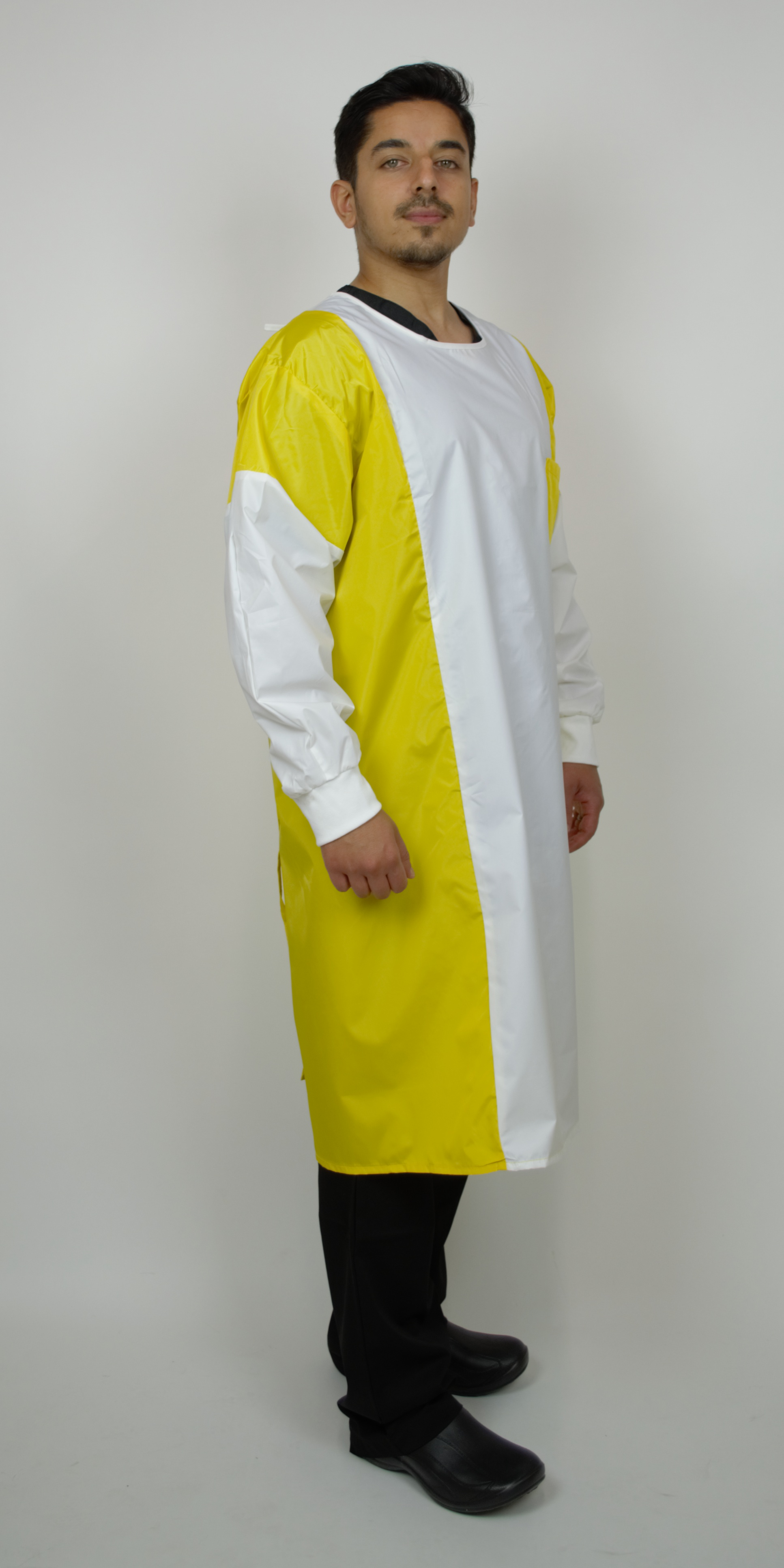 Protective Gown, Breathable 1